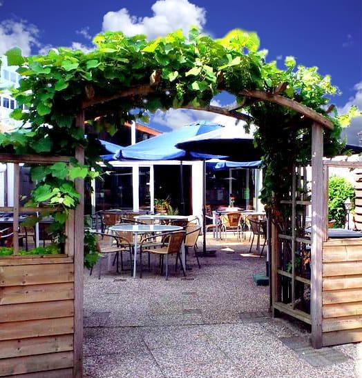 Terras Restaurant Balkan